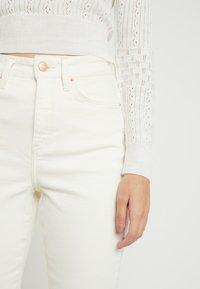 New Look Petite - WAIST ENHANCE MOM - Jean slim - white - 4