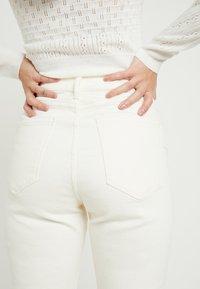 New Look Petite - WAIST ENHANCE MOM - Jean slim - white - 6