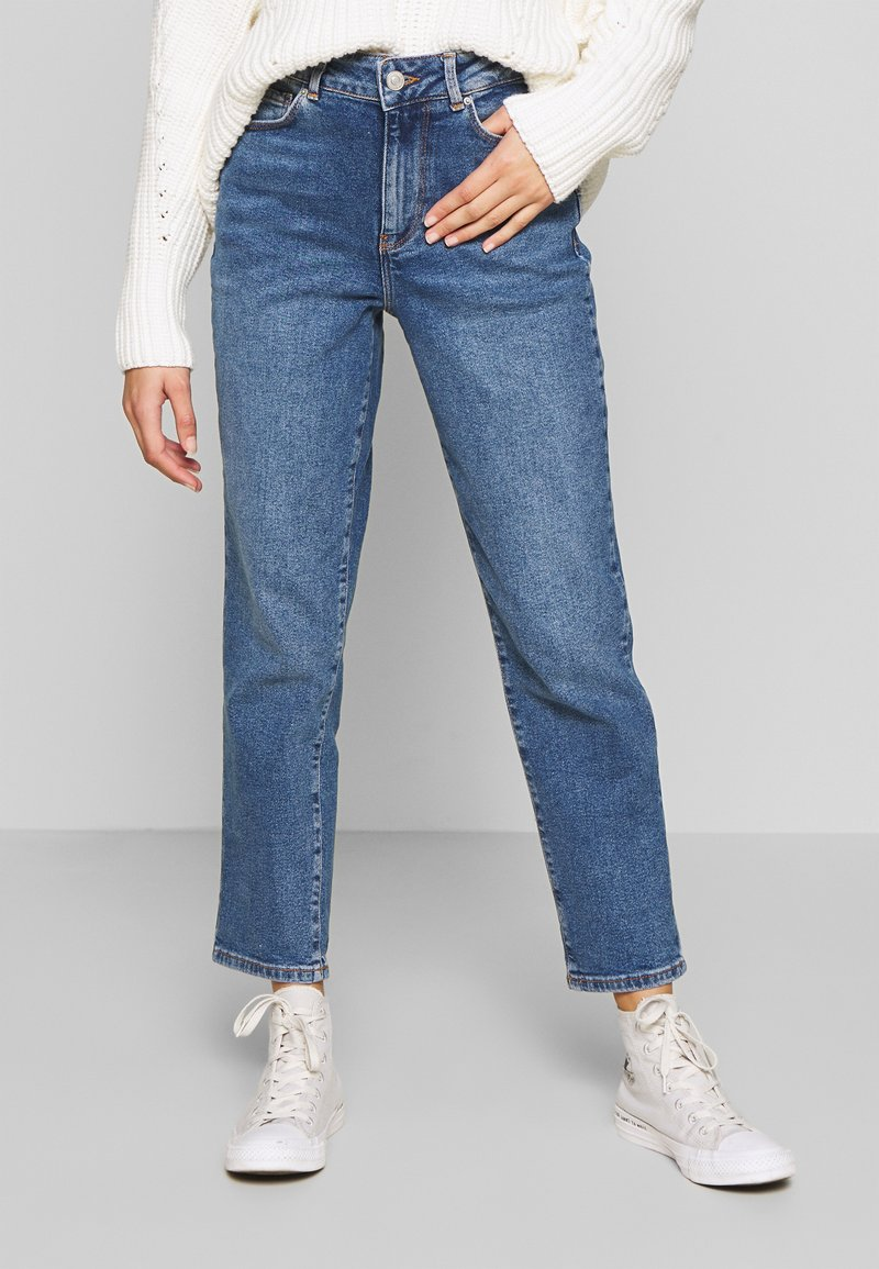New Look Petite - WAIST ENHANCE MOM - Relaxed fit jeans - light blue