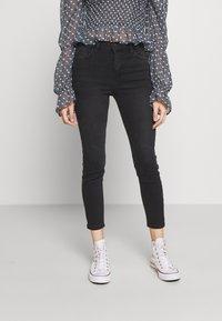 New Look Petite - LIFT AND SHAPER JEAN - Jeans Skinny - black - 0