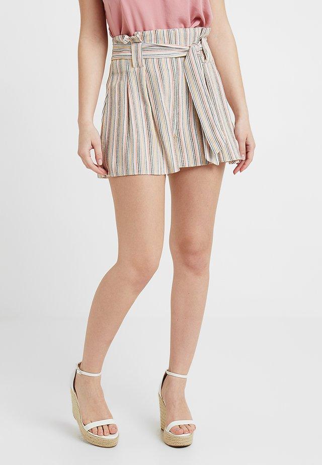 CHARLOTTE STRIPE - Shorts - cream