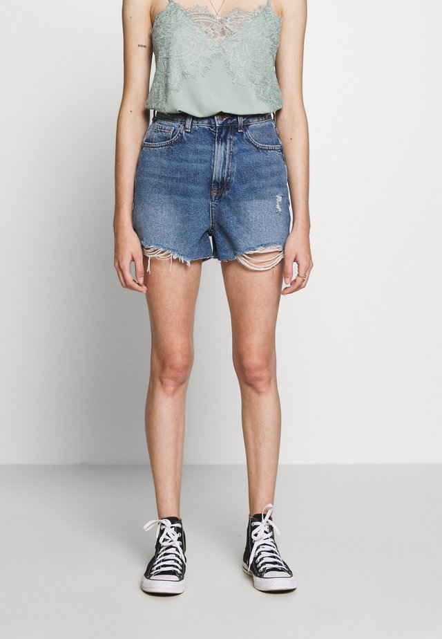 HIGH RISE BEYONCE - Denim shorts - mid blue