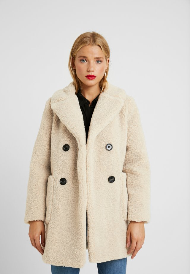 LEAD IN BORG COAT - Winter coat - cream