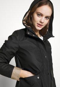 New Look Petite - AMERIIE RAIN - Impermeabile - black - 4