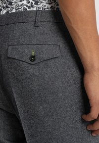 Twisted Tailor - MORECAMBE TROUSERS - Pantalon de costume - denim blue - 5