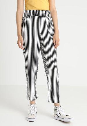 NMMONA PANT - Pantaloni - snow white/black