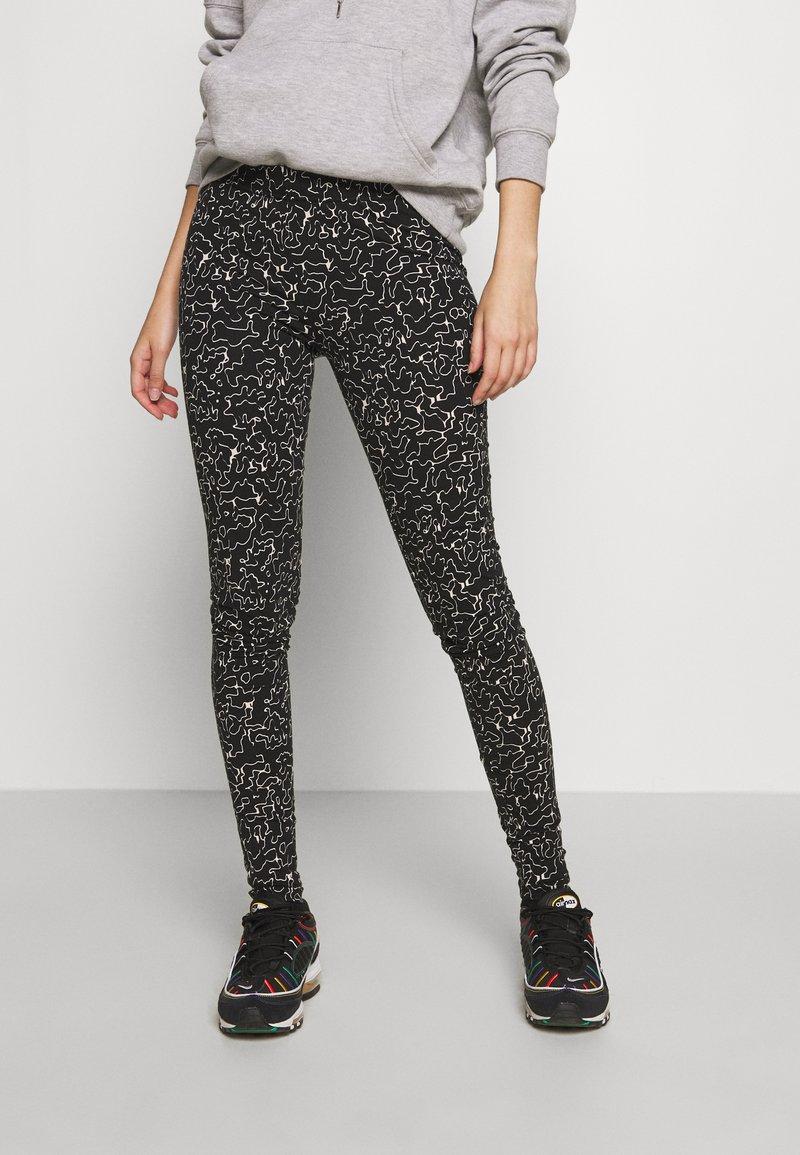 Noisy May - NMANILLA - Leggings - Trousers - black/white