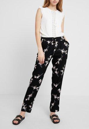 NMMAGIC VISCOSE PANTS  - Broek - black/flowers