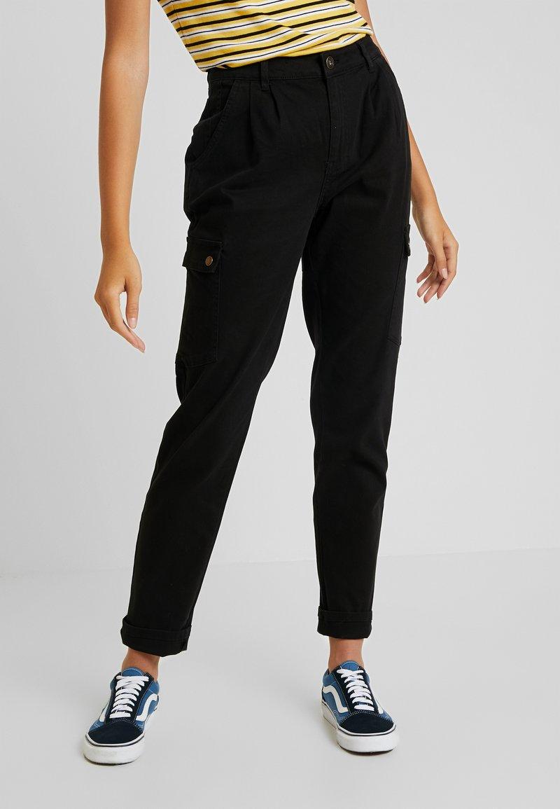 Noisy May - NMBRONX RELAXED PANTS - Kalhoty - black