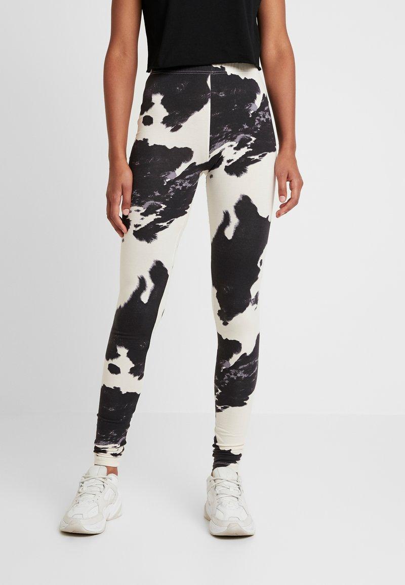 Noisy May - NMCOWE - Leggings - Trousers - ecru/black