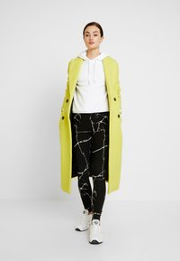 Noisy May - NMKERRY MARBLE  - Leggings - Trousers - black/white - 1
