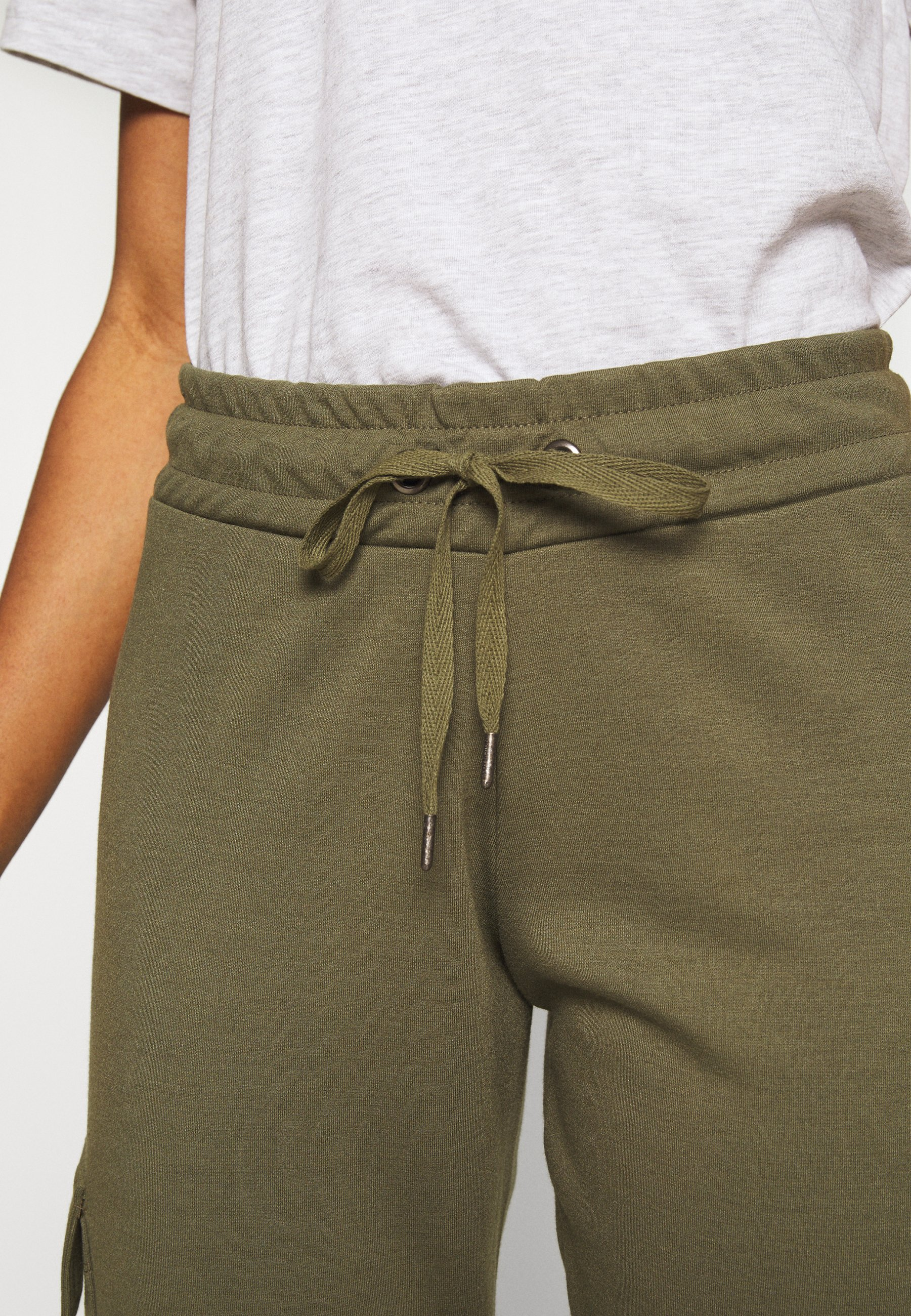 Noisy May NMSEJLA CARGO - Spodnie treningowe - ivy green