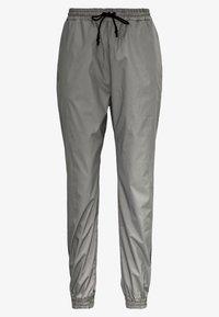 Noisy May - NMRANDY REFLEX PANT - Trousers - silver - 2