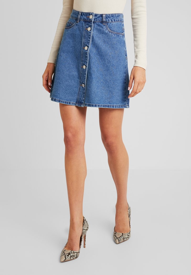 Noisy May - NMSUNNY SHORT ORGANIC SKIRT - Gonna a campana - medium blue denim