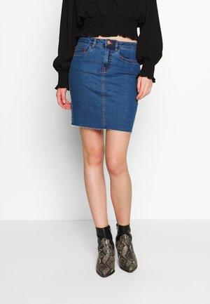 CALLIE SHORT SKIRT  - Denimová sukně - medium blue denim