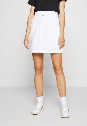 NMJUDO PAPERBACK  SKIRT - Denim skirt - bright white