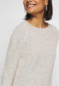 Noisy May - NMSIESTA O-NECK DRESS - Robe pull - oatmeal - 4