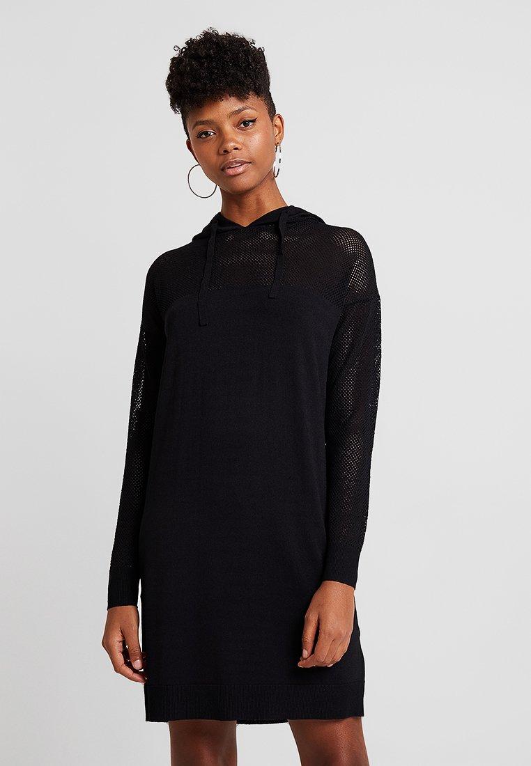 Noisy May - NMLEDA HOODIE DRESS - Pletené šaty - black