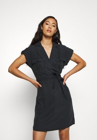 Noisy May - NMVERA ENDI DRESS - Skjortekjole - black - 0