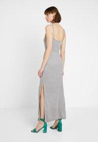 Noisy May Petite - NMIRIS STRAP DRESS - Maxi-jurk - light grey melange - 3