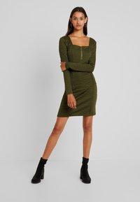 Noisy May - Day dress - winter moss - 0