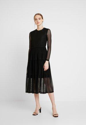 NMSHIMMY STRIPE DRESS - Robe longue - black