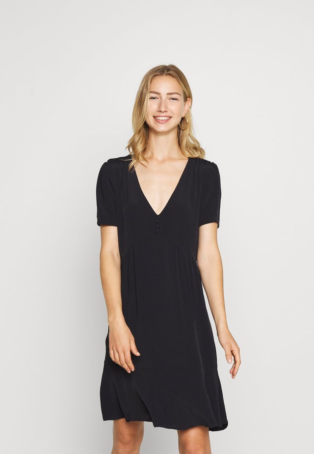 NMPRETTY VNECK DRESS - Shirt dress - black
