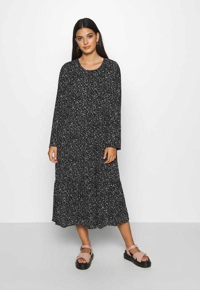 NMKATJA LOOSE DRESS - Hverdagskjoler - black/white