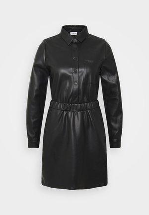 NMHILL SHORT DRESS - Denní šaty - black