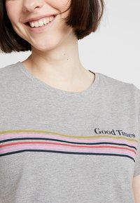 Noisy May - NMNATE GOOD TIMES - Print T-shirt - light grey melange - 5