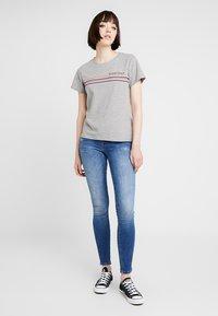 Noisy May - NMNATE GOOD TIMES - Print T-shirt - light grey melange - 1