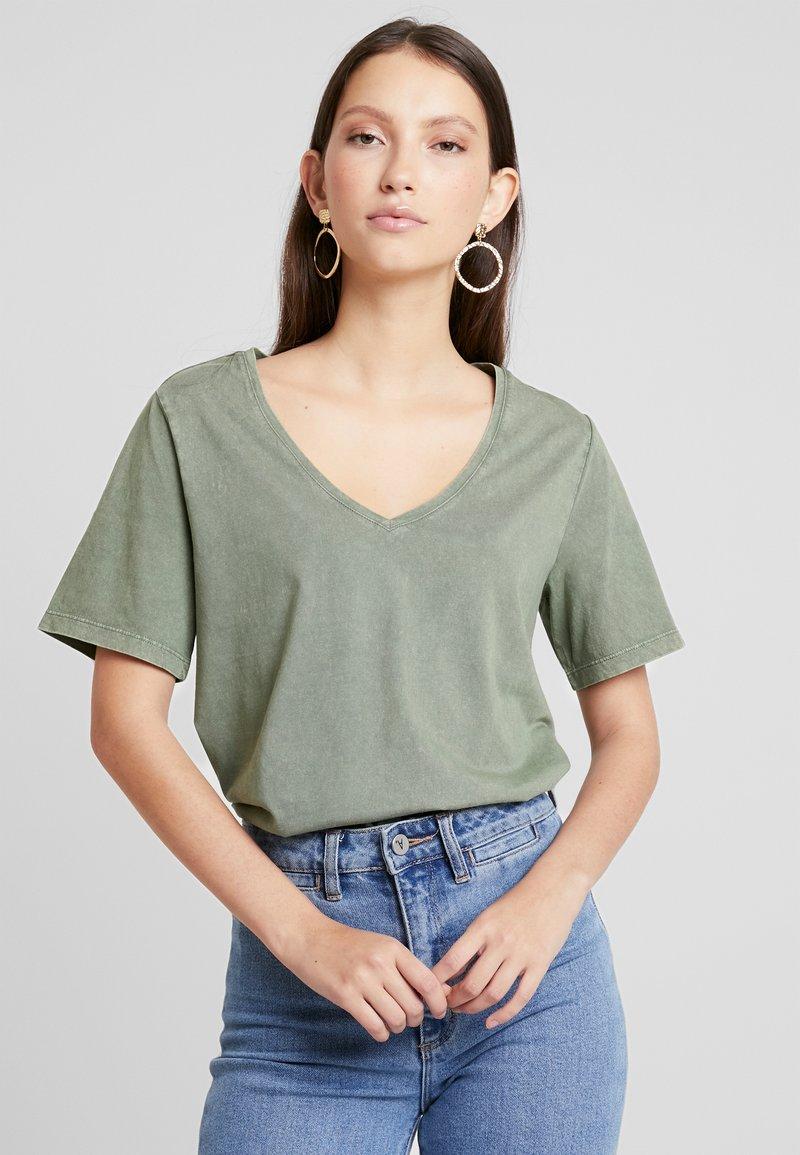 Noisy May - NMWILLA - T-shirts - olivine