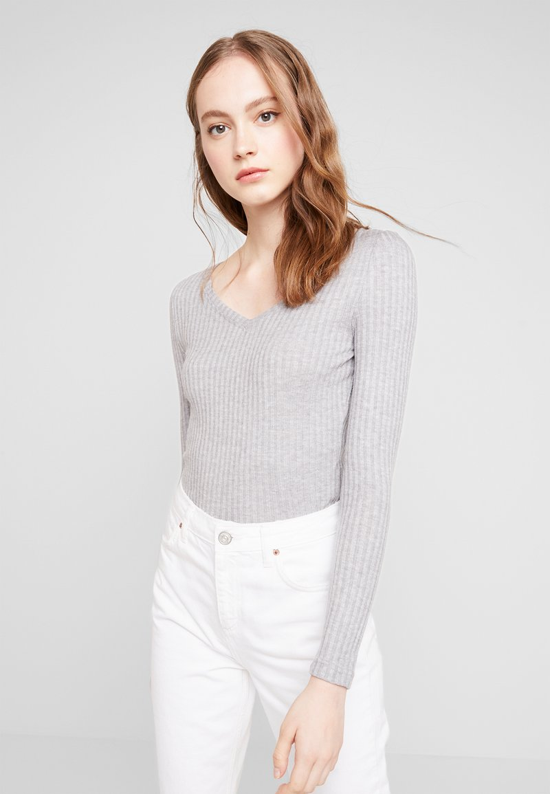 Noisy May - NMEDINA V NECK - Strickpullover - light grey melange