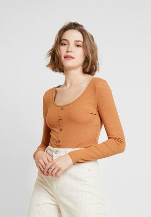 NMMOX BODY - Langarmshirt - brown sugar
