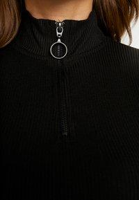 Noisy May - NMROX  - Stickad tröja - black - 4