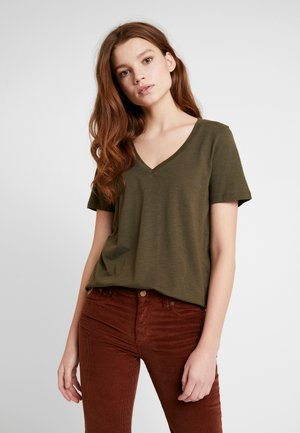 NMDENNY V-NECK - Camiseta básica - olive night