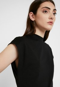Noisy May - NMDENNY HIGH NECK - Camiseta básica - black - 3
