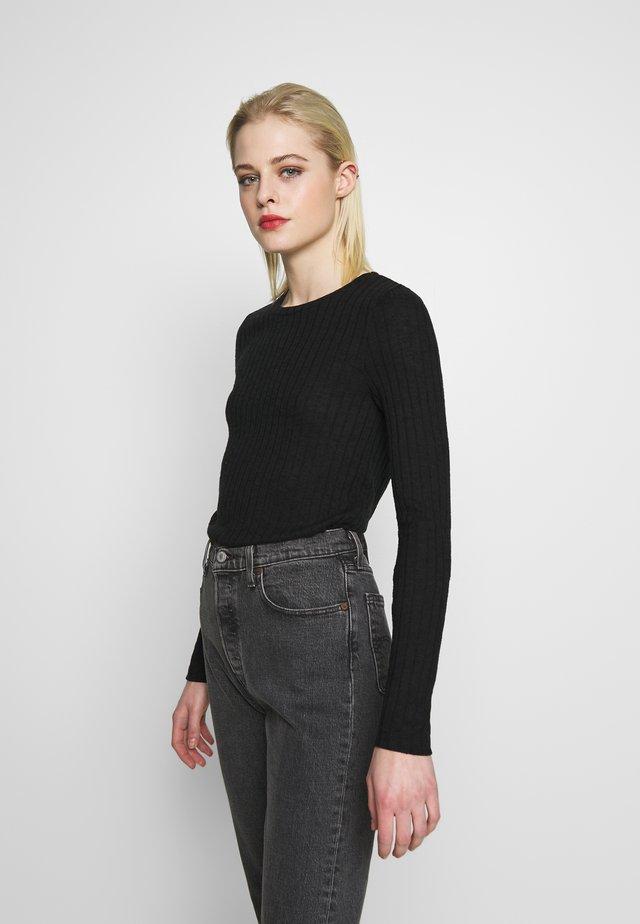 NMSLOAN O NECK  - Stickad tröja - black