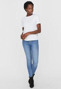 Noisy May - T-shirt - bas - bright white - 1