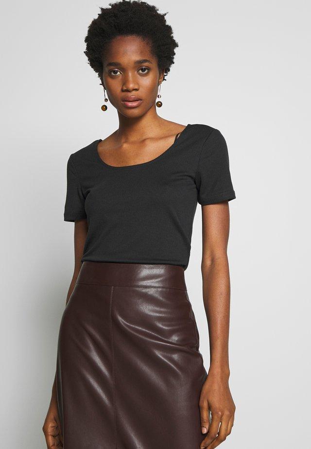 NMLULA TOP - Basic T-shirt - black