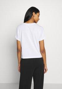 Noisy May - NMDENNY POCKET - T-shirts - bright white - 2