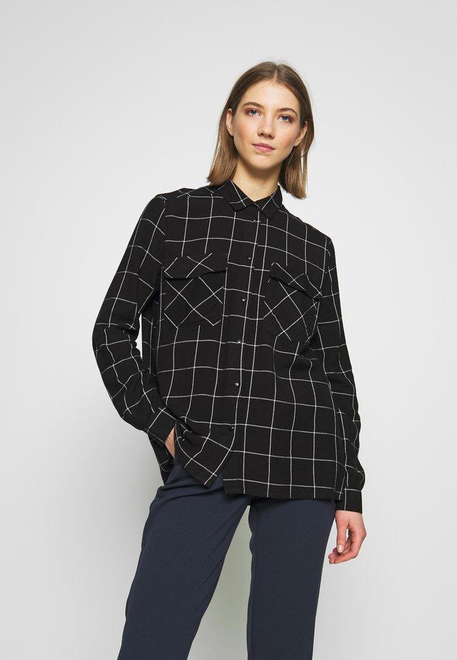 NMCHECK ERIK OVERSIZE - Button-down blouse - black/white