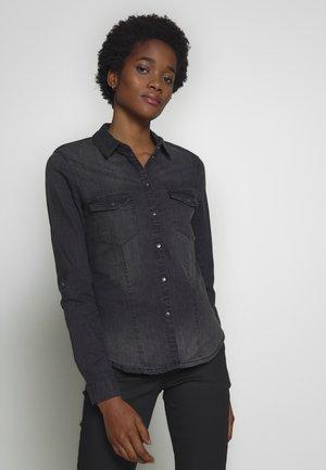 NMDILEM SLIM - Button-down blouse - black denim