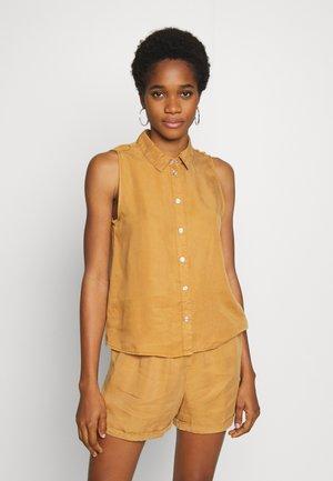 NMDANNY ENDI - Camisa - brown sugar