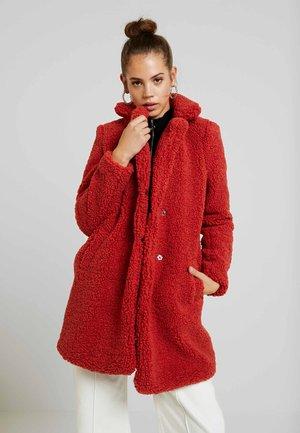 NMGABI - Zimní kabát - tandori spice