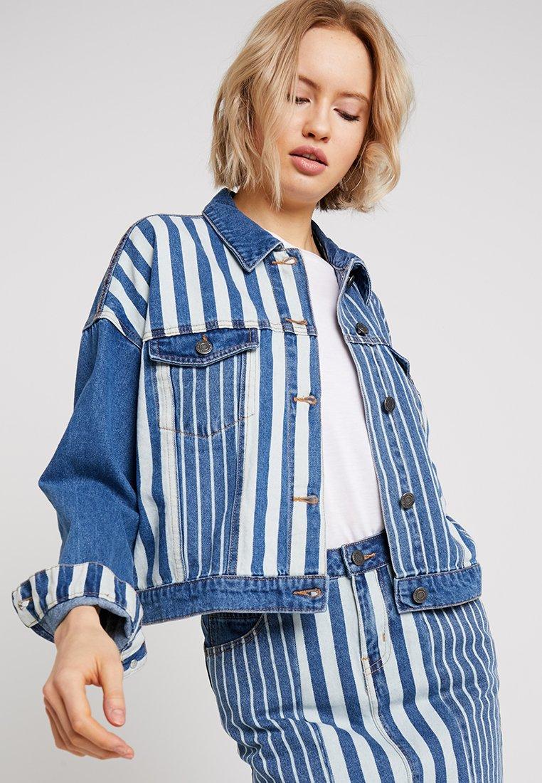 Noisy May - NMCHO STRIPE JACKET - Denim jacket - medium blue denim