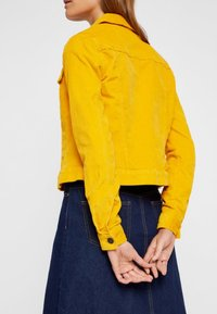 Noisy May - Chaqueta fina - golden rod - 4