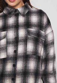 Noisy May - NMFLANNY CHECK  - Overhemdblouse - black/with/grey - 5