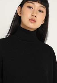 Noisy May - NMSHIP ROLL NECK - Sweter - black - 5