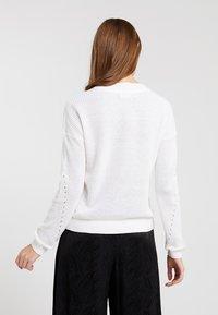 Noisy May - NMSIAN O NECK  - Jersey de punto - bright white - 2